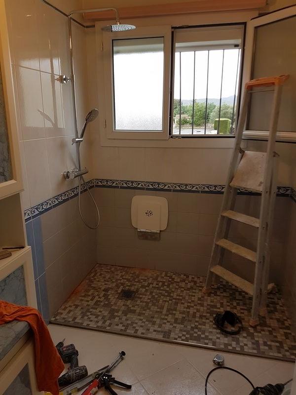 transformation d 39 une baignoire en douche aix en provence pelissane marseille plan de campagne 13 brd. Black Bedroom Furniture Sets. Home Design Ideas